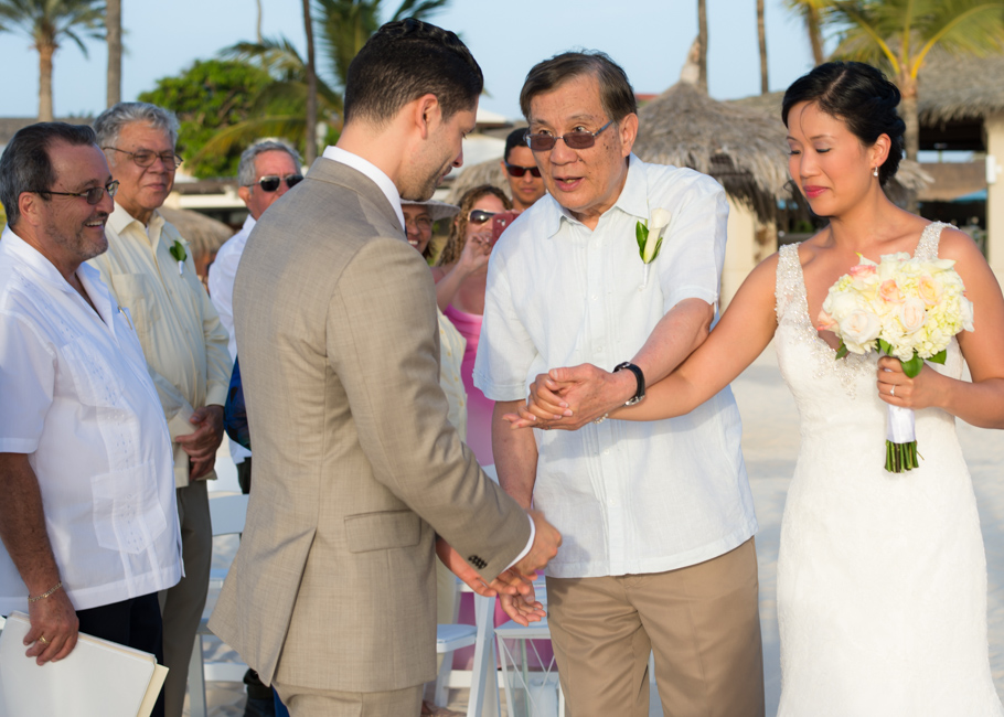 alison-manchebo-aruba-wedding-035