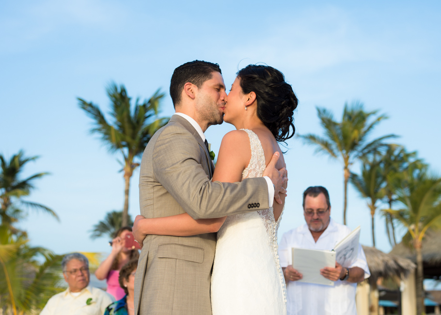 alison-manchebo-aruba-wedding-047