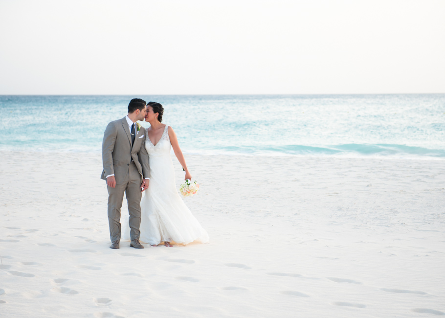 alison-manchebo-aruba-wedding-054