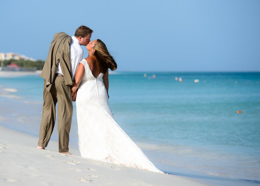 andrea-aruba-trash-dress-wedding_0001
