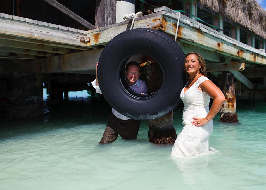 andrea-aruba-trash-dress-wedding_0027