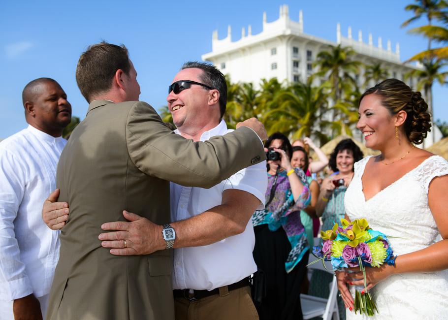 andrea-riu-palace-aruba-wedding_0019