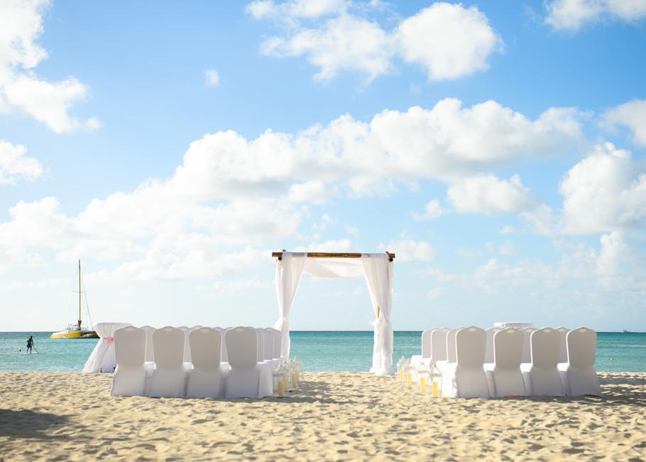 christa-radisson-aruba-wedding-015