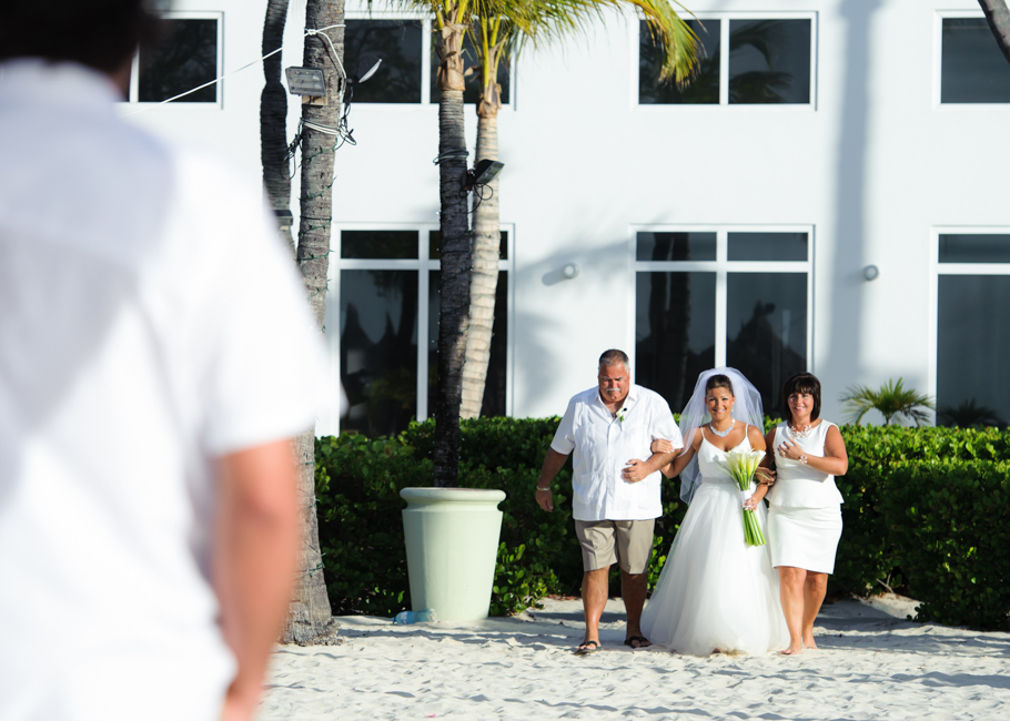 christa-radisson-aruba-wedding-023