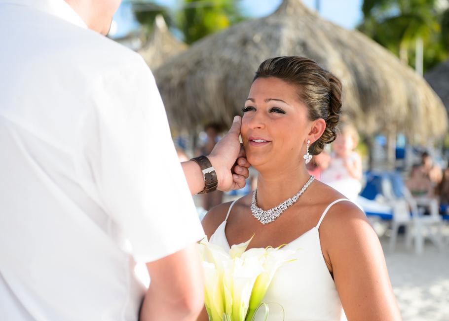 christa-radisson-aruba-wedding-028