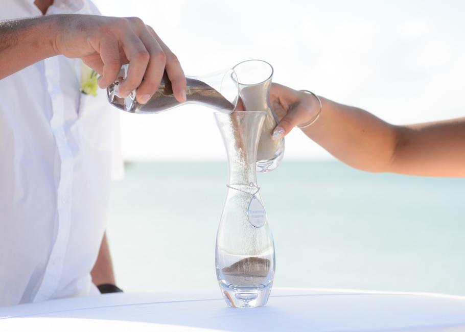 christa-radisson-aruba-wedding-030