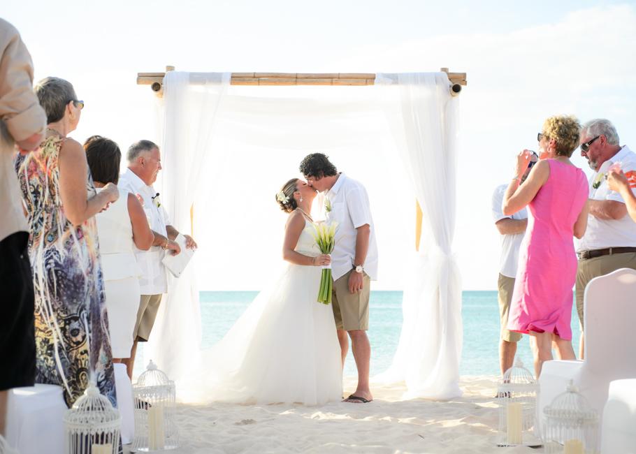christa-radisson-aruba-wedding-032