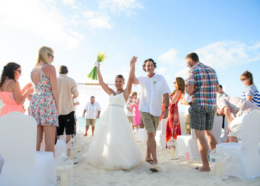 christa-radisson-aruba-wedding-033