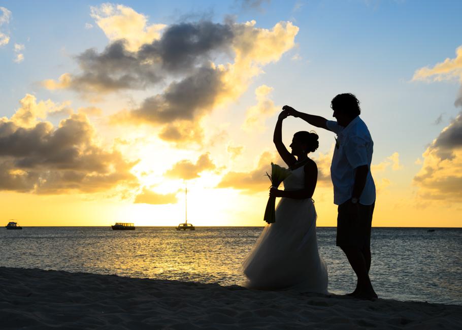 christa-radisson-aruba-wedding-037