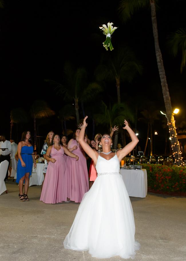 christa-radisson-aruba-wedding-063