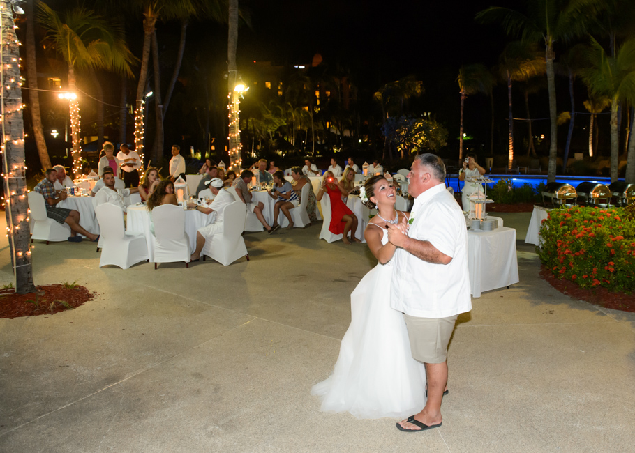 christa-radisson-aruba-wedding-066