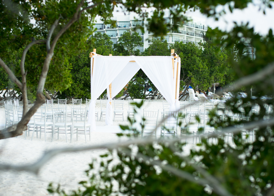 kathya-ritz-carlton-aruba-wedding_0012