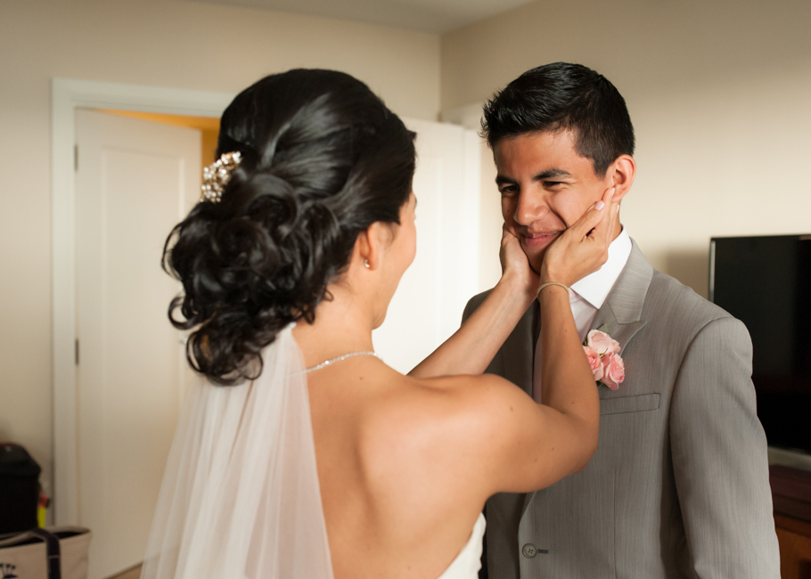 kathya-ritz-carlton-aruba-wedding_0024