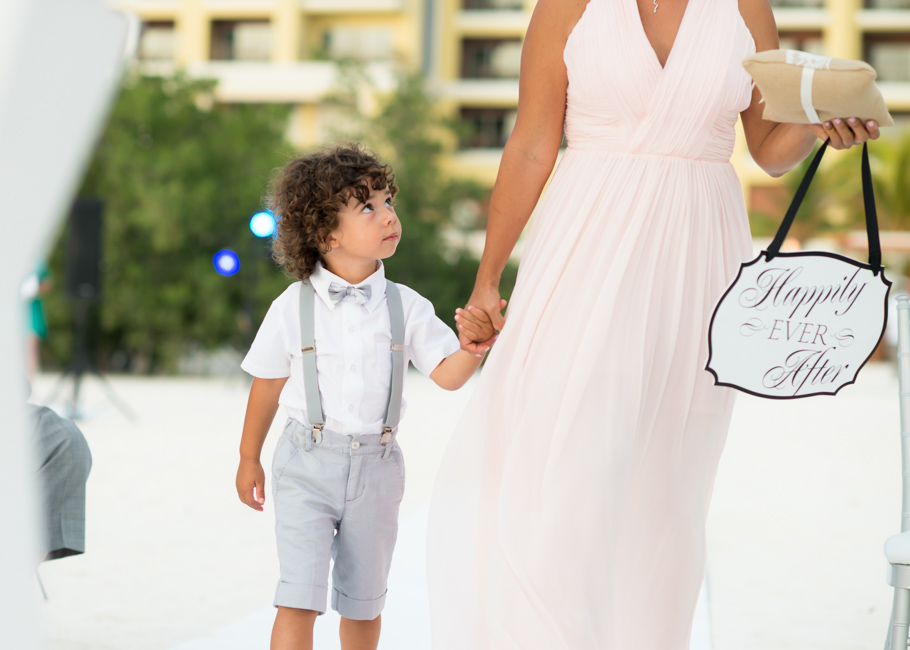 kathya-ritz-carlton-aruba-wedding_0032