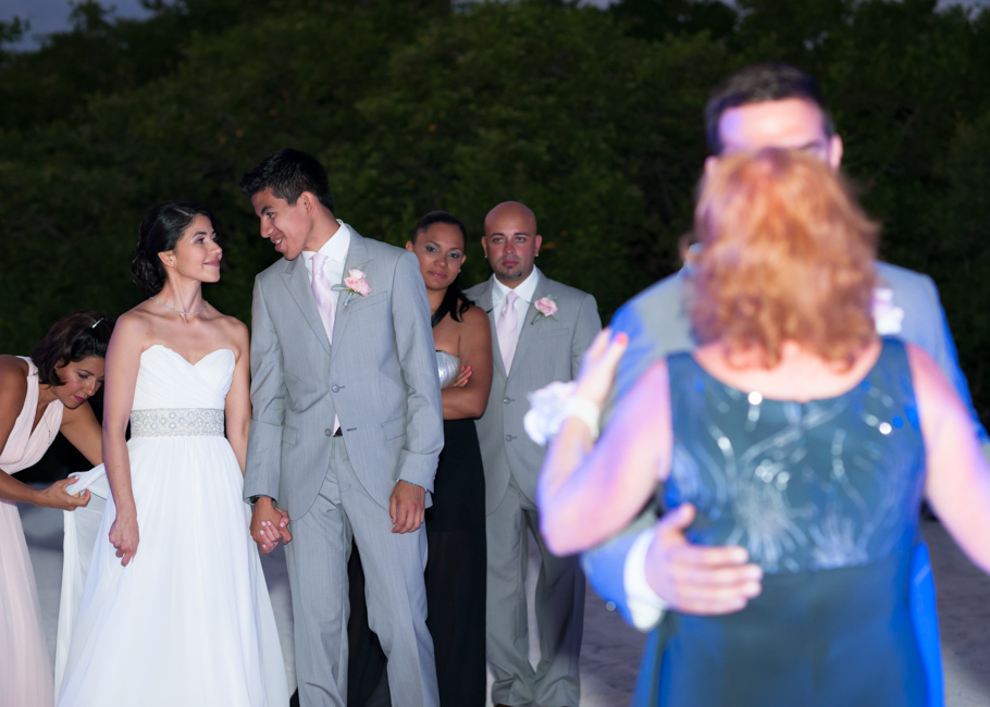 kathya-ritz-carlton-aruba-wedding_0056