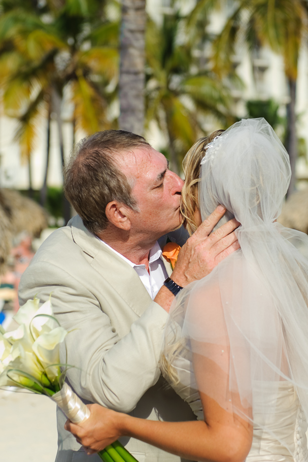 kerry-riu-aruba-wedding-011