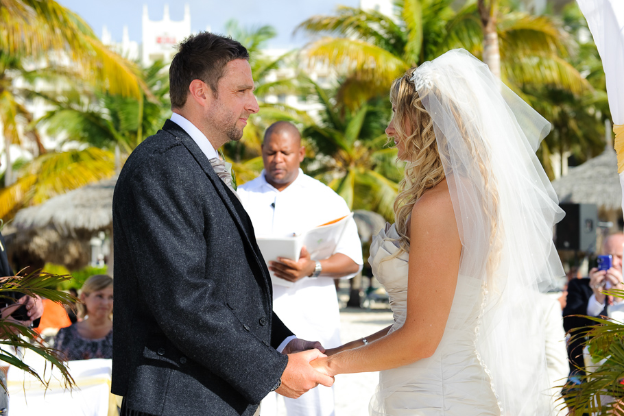 kerry-riu-aruba-wedding-014