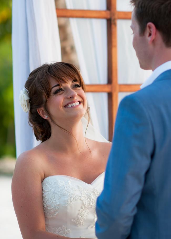 paula-renaissance-island-wedding-025