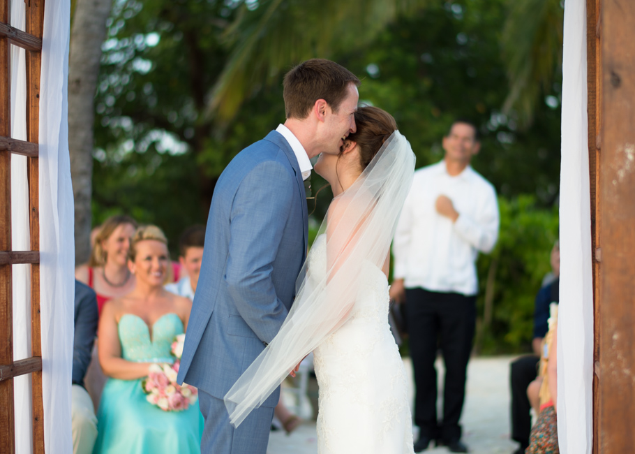 paula-renaissance-island-wedding-026