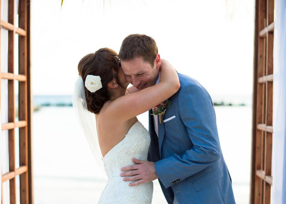 paula-renaissance-island-wedding-028