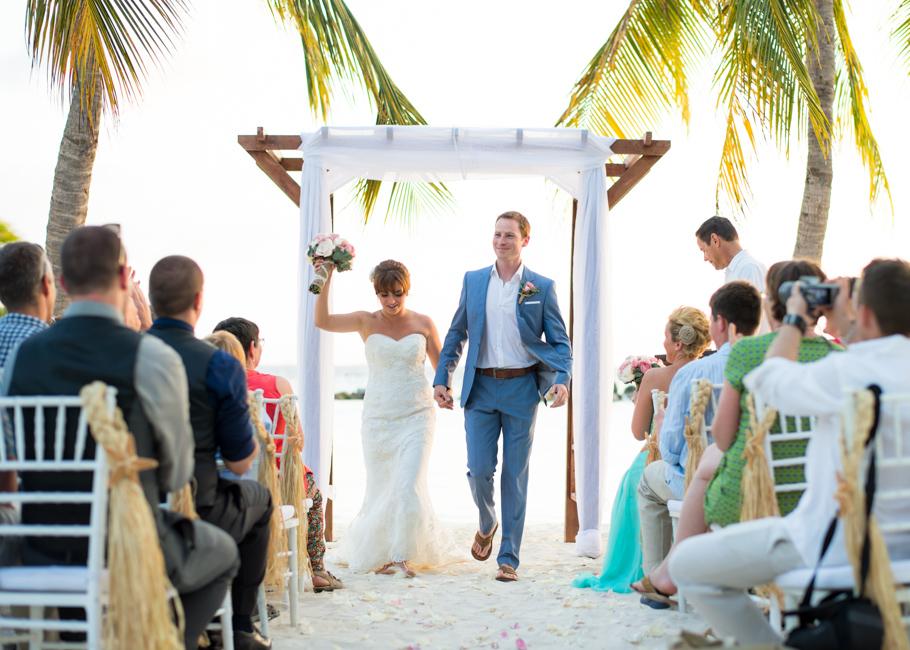 paula-renaissance-island-wedding-034
