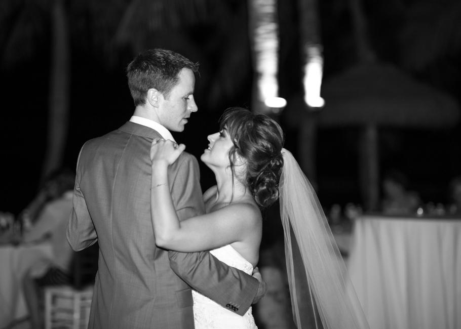 paula-renaissance-island-wedding-073