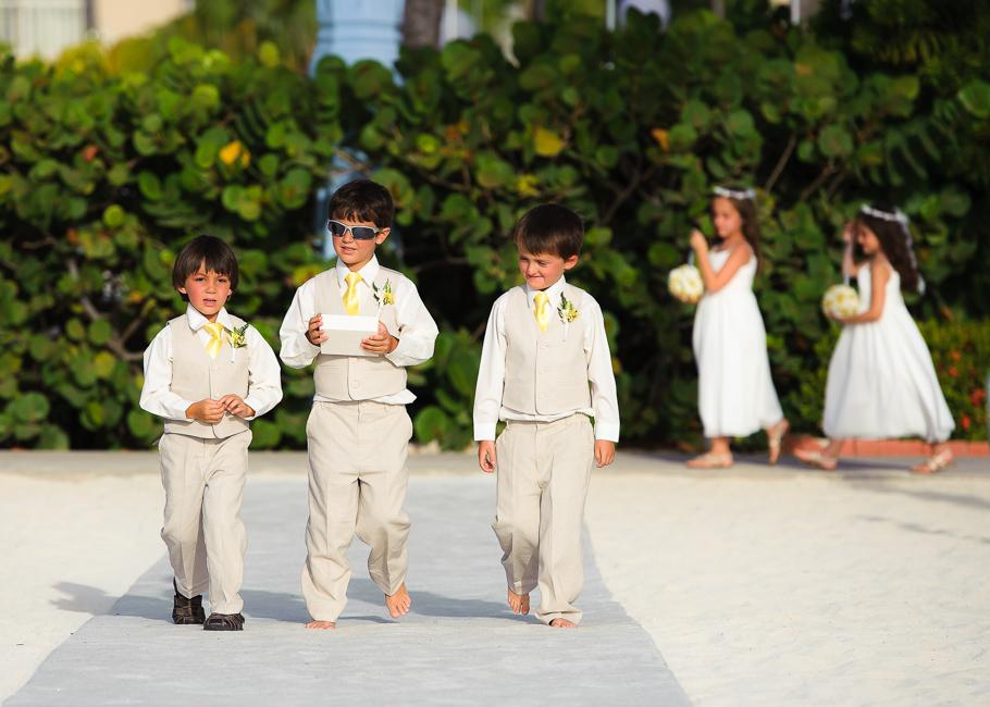 sara-hyatt-aruba-wedding-017