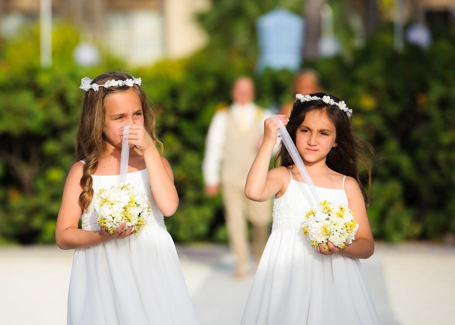 sara-hyatt-aruba-wedding-018