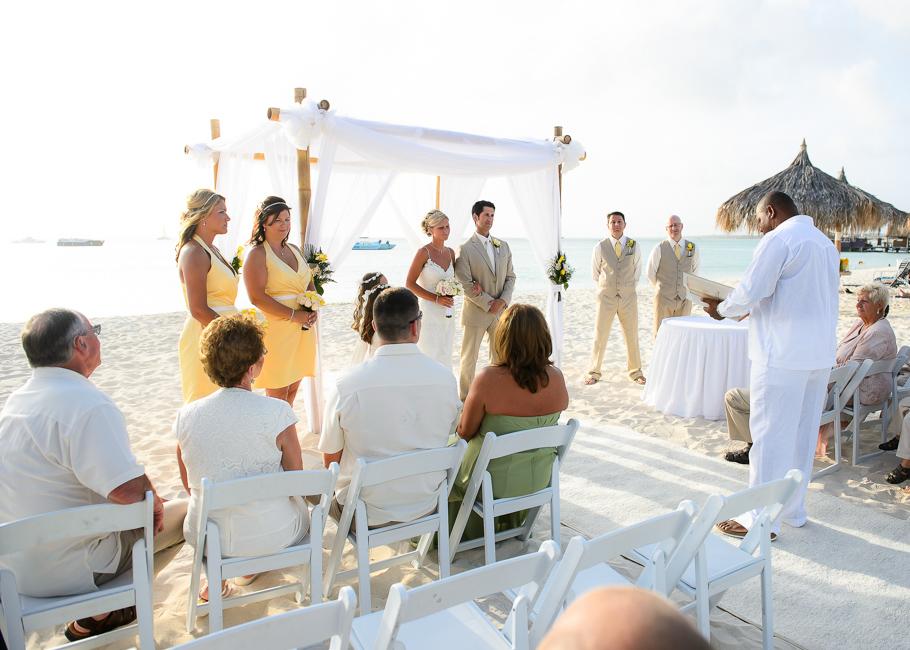sara-hyatt-aruba-wedding-021