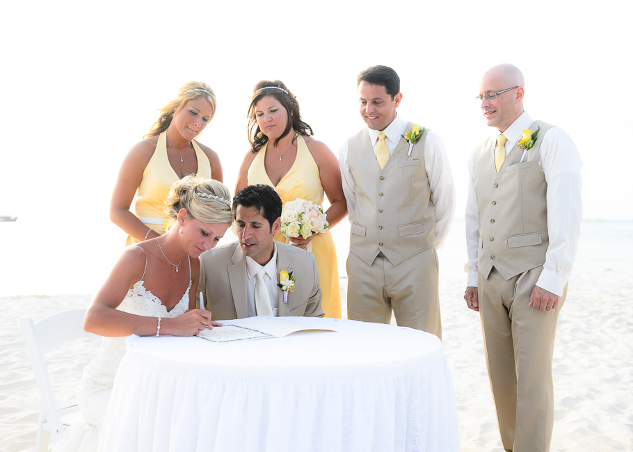 sara-hyatt-aruba-wedding-038