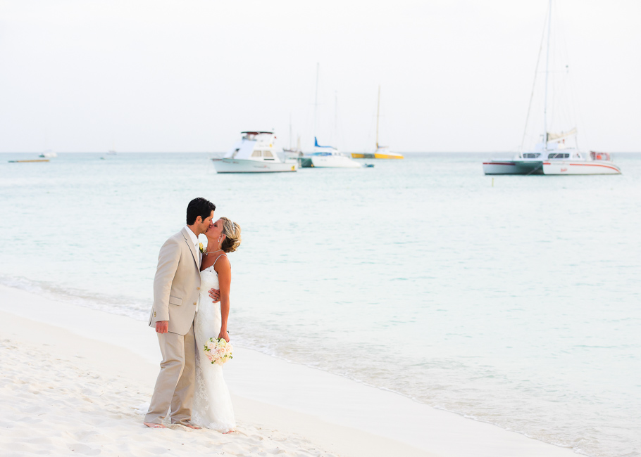 sara-hyatt-aruba-wedding-044