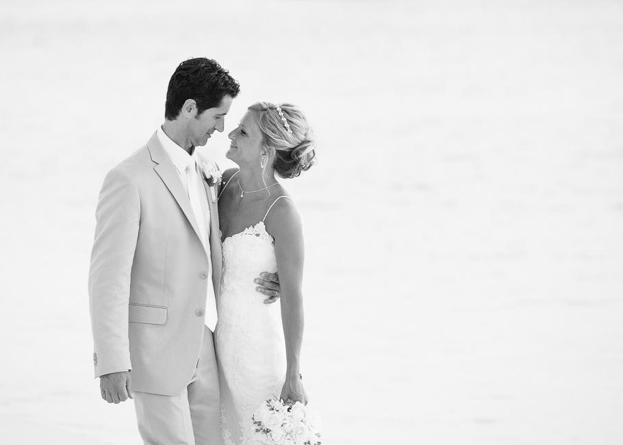 sara-hyatt-aruba-wedding-045