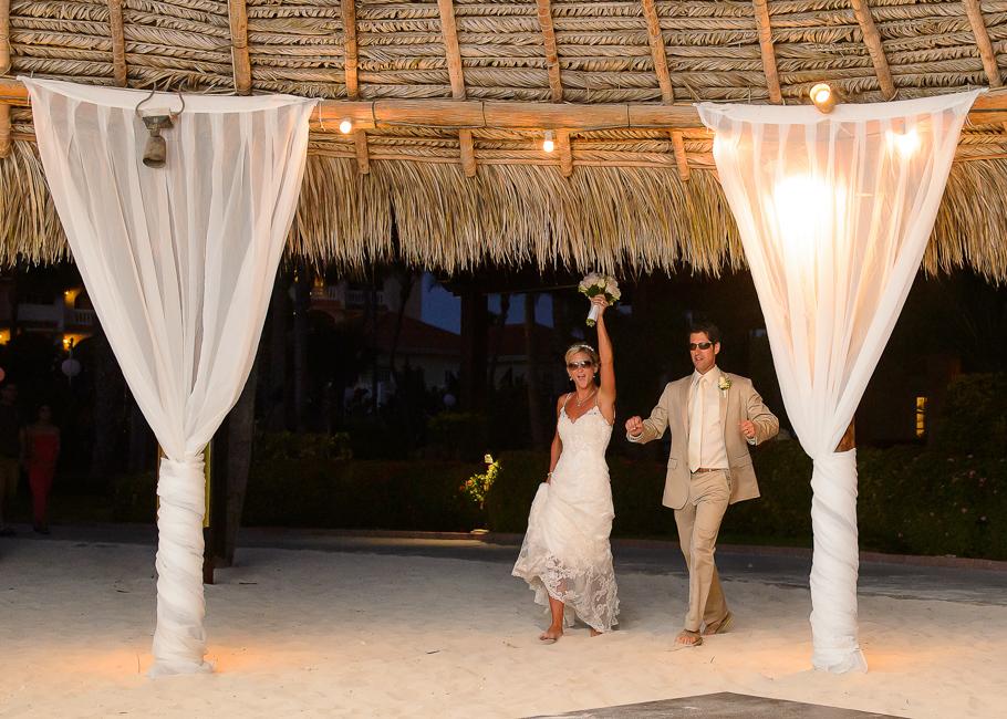 sara-hyatt-aruba-wedding-054