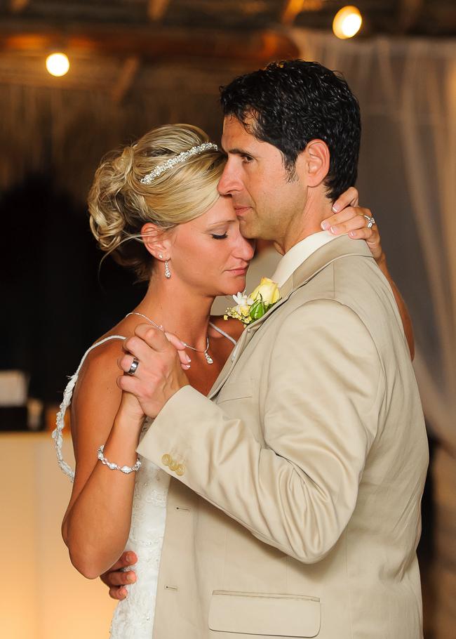 sara-hyatt-aruba-wedding-056