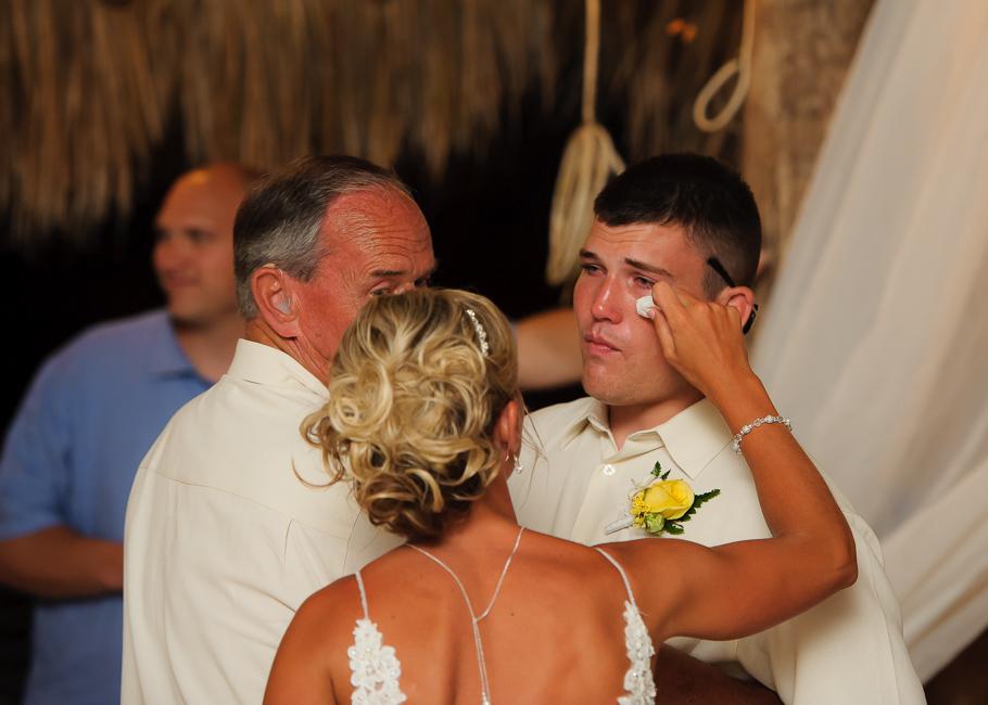 sara-hyatt-aruba-wedding-060