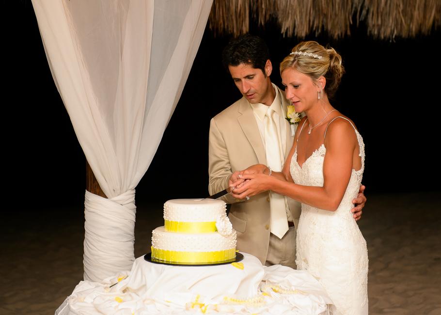 sara-hyatt-aruba-wedding-063