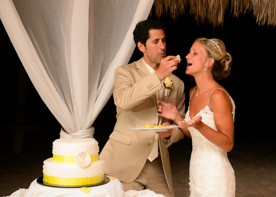 sara-hyatt-aruba-wedding-065