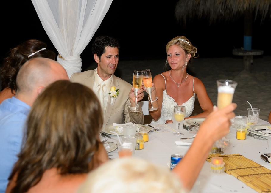 sara-hyatt-aruba-wedding-068