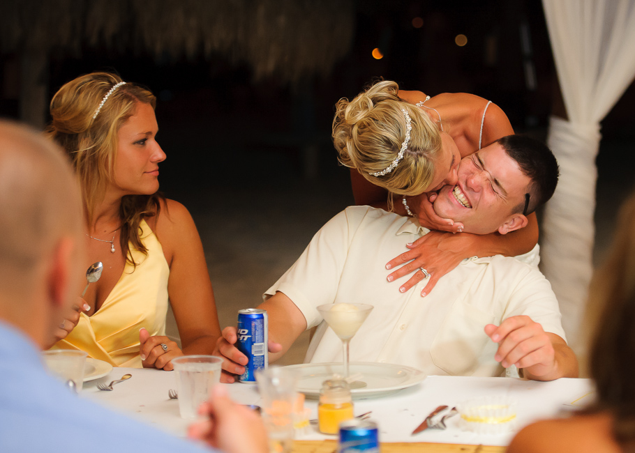 sara-hyatt-aruba-wedding-077