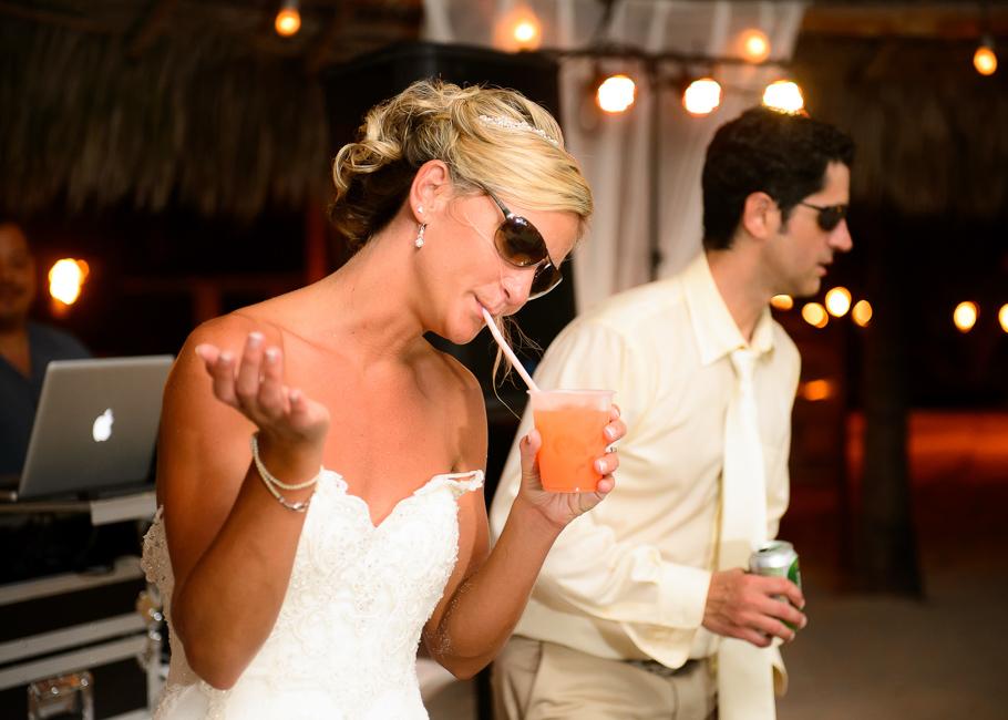 sara-hyatt-aruba-wedding-084