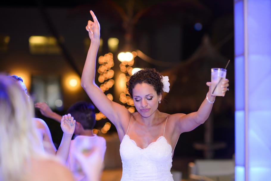 priscilla-radisson-aruba-wedding_0103