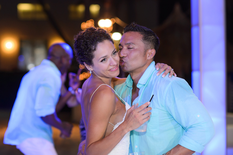 priscilla-radisson-aruba-wedding_0106