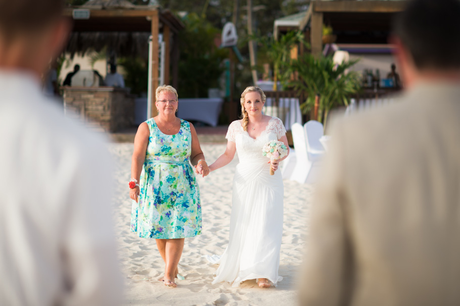 carrie-divi-aruba-wedding_0015