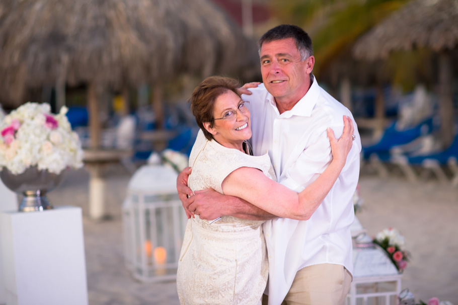 jenna-radisson-aruba-wedding_0045