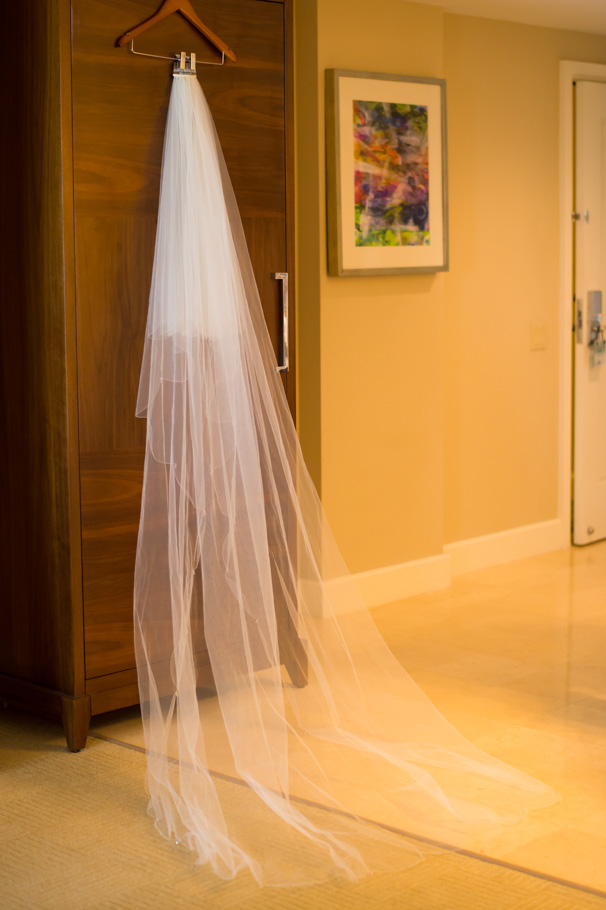 katie-ritz-carlton-aruba-wedding-002