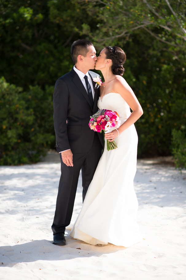 katie-ritz-carlton-aruba-wedding-015