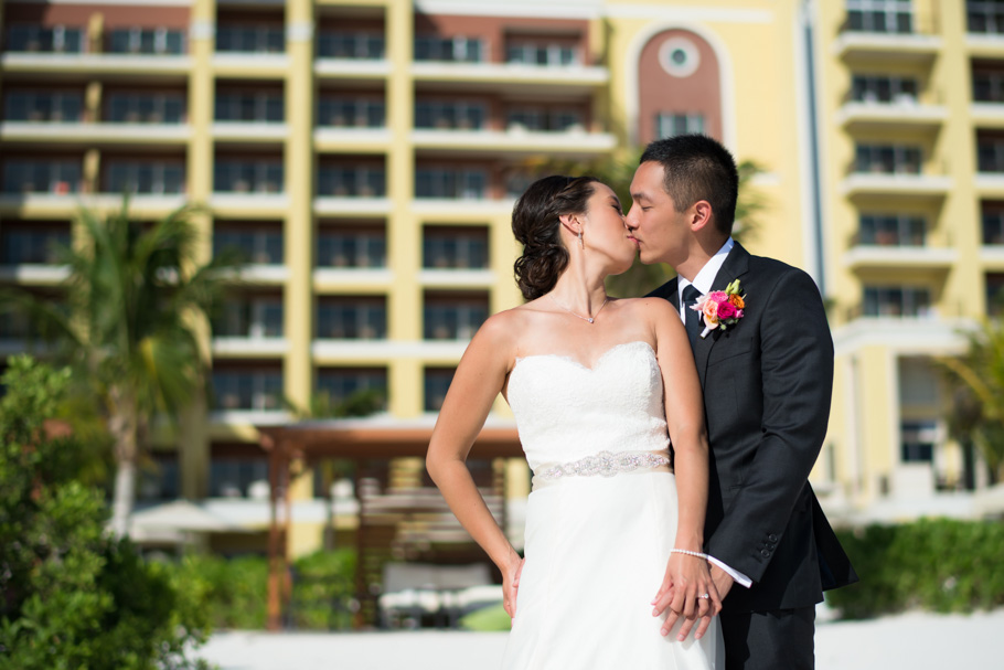 katie-ritz-carlton-aruba-wedding-017