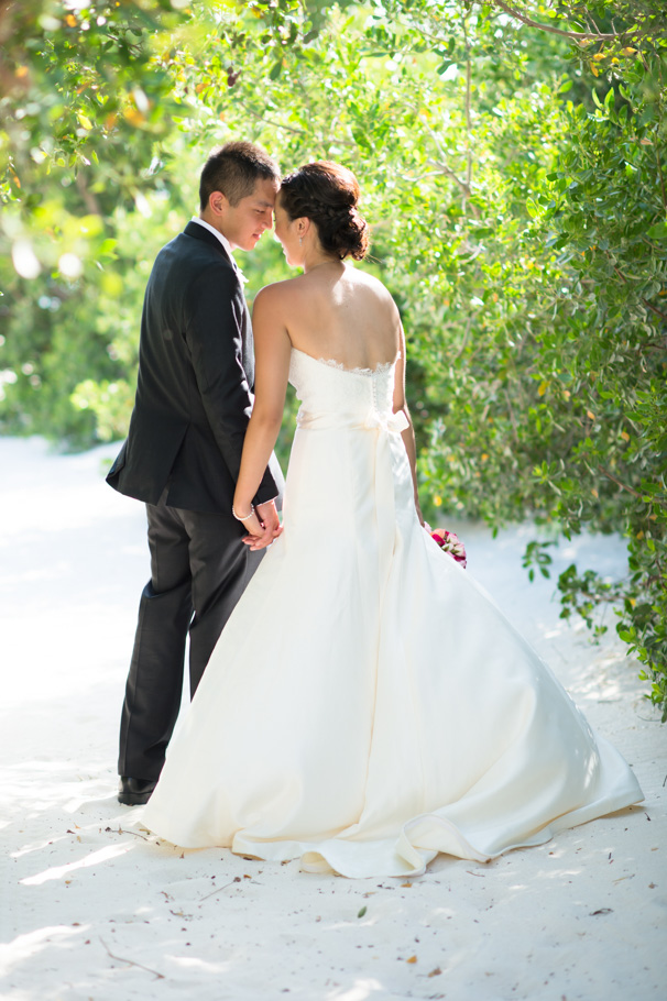 katie-ritz-carlton-aruba-wedding-019
