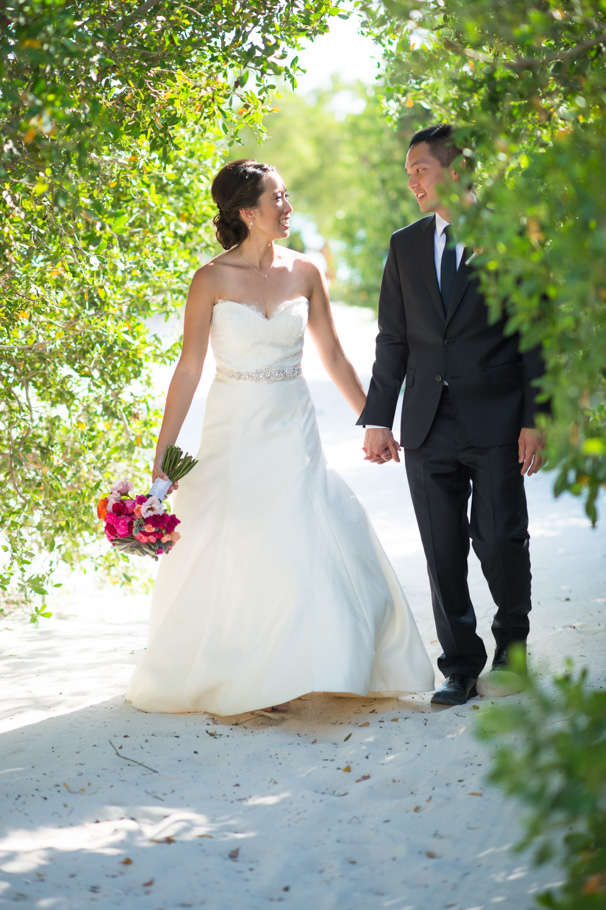 katie-ritz-carlton-aruba-wedding-020