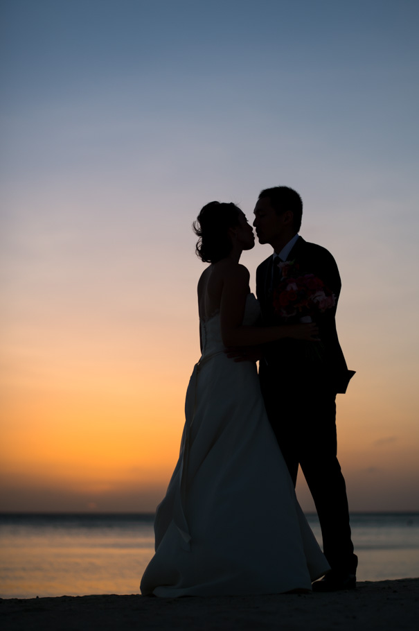 katie-ritz-carlton-aruba-wedding-041